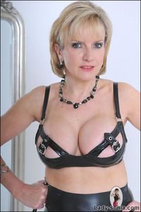 lady sonia mature ladysonia lady sonia mature latex pic