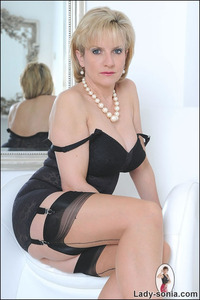 lingerie mature classic sexy lady sonia black lingerie
