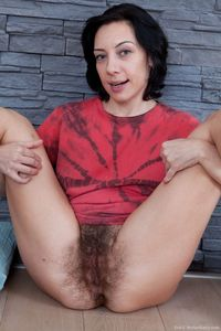 mature pussy picpost thmbs very bushy mature pussy pics