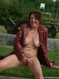 mature amateur shaz pissing outdoors nude public crazyness outdoor mature amateur
