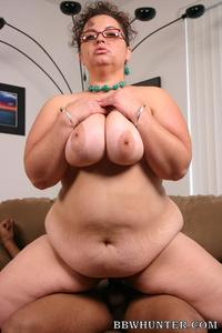 mature bbw mature bbw shianna showing off enormous knockers sizing cock lips live