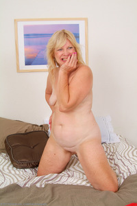 mature blonde mature blonde housewives gallery horny porn