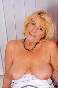 mature blonde picpost thmbs large floppy tits mature blonde pics