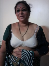 mature bra photo desi mature aunty removing blouse bra part