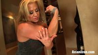 mature clit aziani iron mature bodybuilder clit