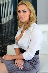 mature curvy large agoniz xvhm busty curvy mature skinny milf tanya tate plump pussy wearing white lingerie