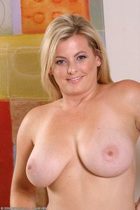 mature curvy large mfaofmxymky blonde busty curvy dark eyes kala mature pussy saggy solo themilf