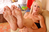 mature feet medium mona lisas krinkled cut soles