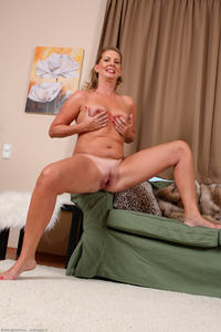 mature gilf photo large laura horny blonde mature gilf shows naked pussy free pics