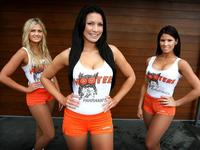 mature hooters adrielbooker hooters girls australia breastaurants like degrading women