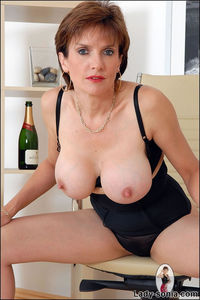 mature huge tits gallery older mature models photos