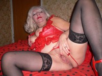 mature legs swagster older granny mature spreaders legs wide open showing pink