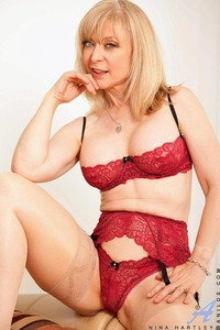 mature lingerie large gvwsfkajk blonde garter mature nina hartley pichunter red lingerie solo stockings