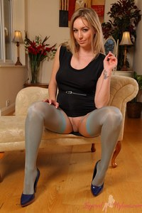 mature nylon pics layered nylons nylon layers hayley marie looks amazing lingerie blue stockings under nude pantyhose