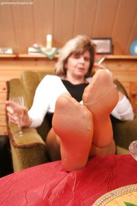 mature nylons mature nylons soles pictures