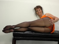 mature pantyhose dev