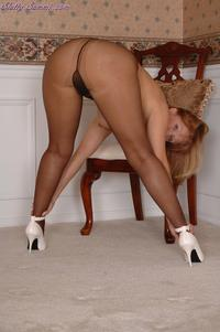 mature pantyhose imags
