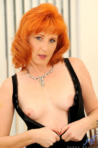 mature redhead large hhcjcehy anilos firecrotch ginger hairy mature redhead sasha brand solo