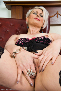mature sally mature sallyt eof sal