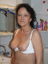 mature slut maturesladies galleries entry