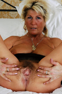 mature spread mature porn milf granny mom wife pussy spread wide photo