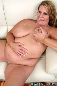 mature spreading mature bbw leighann spreading fat pussy lips take cock pounding from horny guy