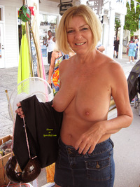 mature tit pics mature tit flash gallery flashing