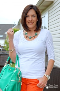 my mature mom elodie necklace fashion friday how wear jeans shirt
