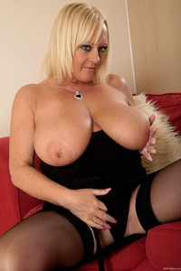 old milf mature large dyv busty fat mature old milf wendy leigh spectacular tits