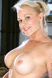 old milf mature tits blonde ass high heels mature milf old this older but still hot sexy body