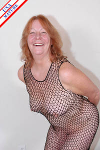 red mature free pictures track
