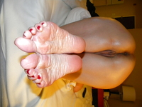 red mature mature wrinkled soles red polish toenails toenail footjob