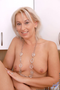 samantha mature anilos fcfd submissions blonde samantha white gets horny fondles mature pussy kitchen counter pic gallery