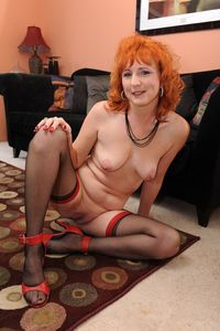 shaved mature picpost thmbs shaved mature twat between legs older redhead pics
