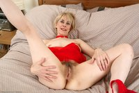 thick mature hazel may haz srs hot milf shows thick mature pussy from atk natural